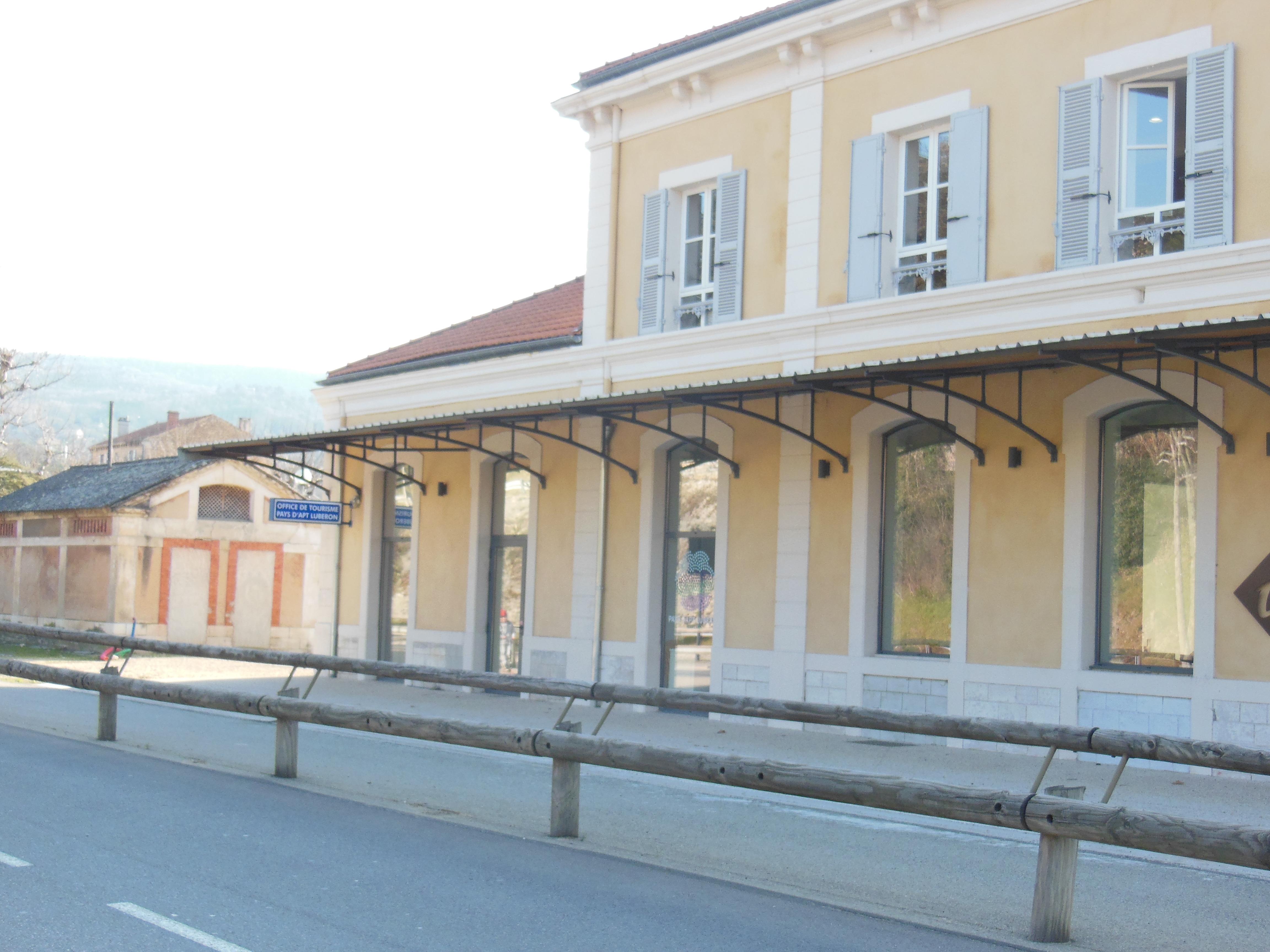 Apt (gare)