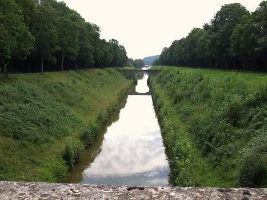 Le canal en tranchée