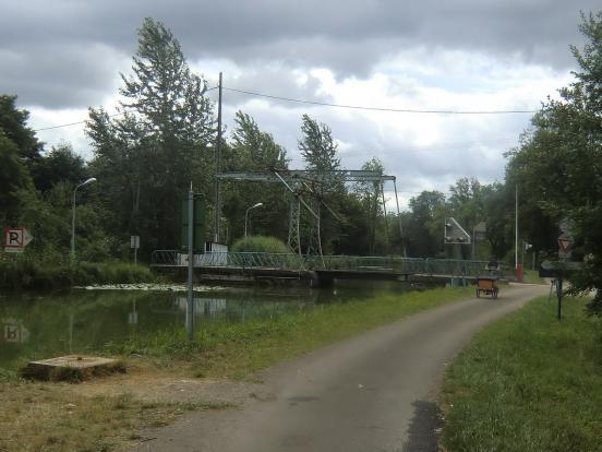 Pont et triporteur