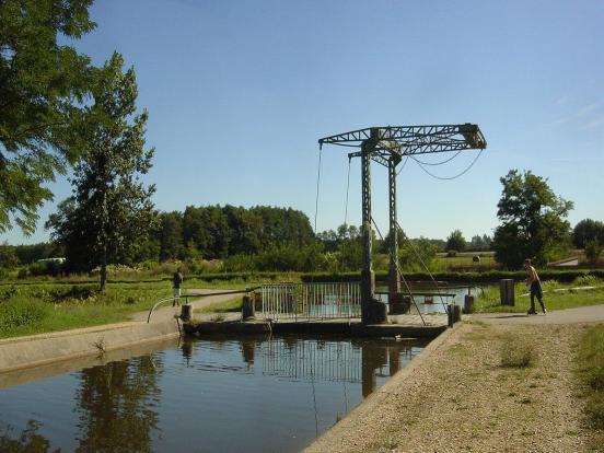 Pont-levis de l_Arroux