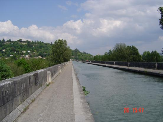 Sur le pont canal d'Agen
