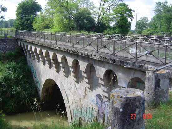 Petit pont canal