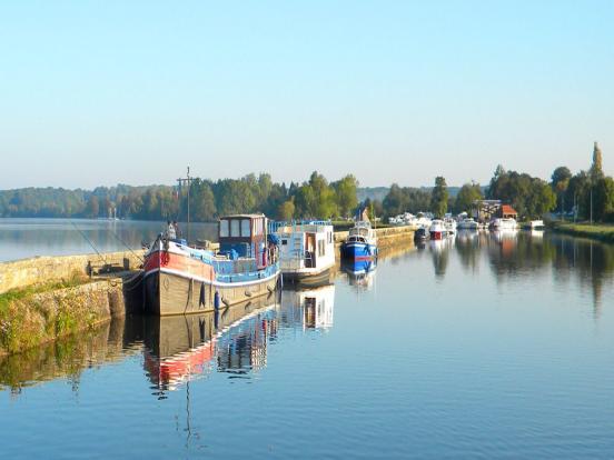 canal et étang de Baye