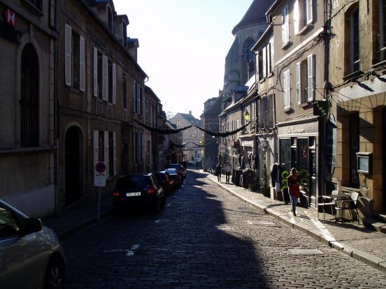 Senlis, rue St-Hilaire