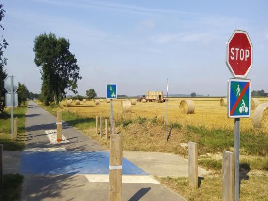 Croisement chemin agricole