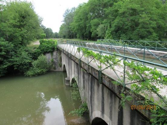 Avril sur Loire