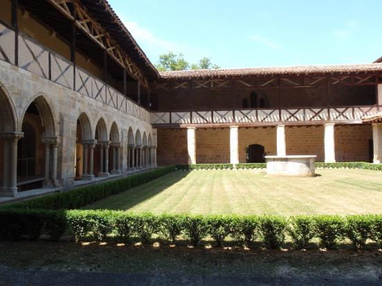 Abbaye - cour