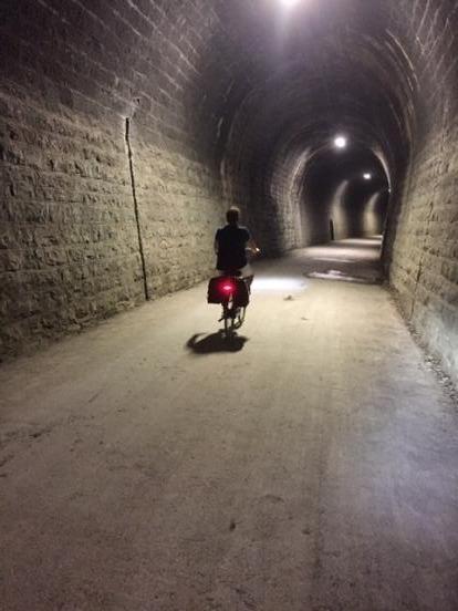 Voie verte en tunnel