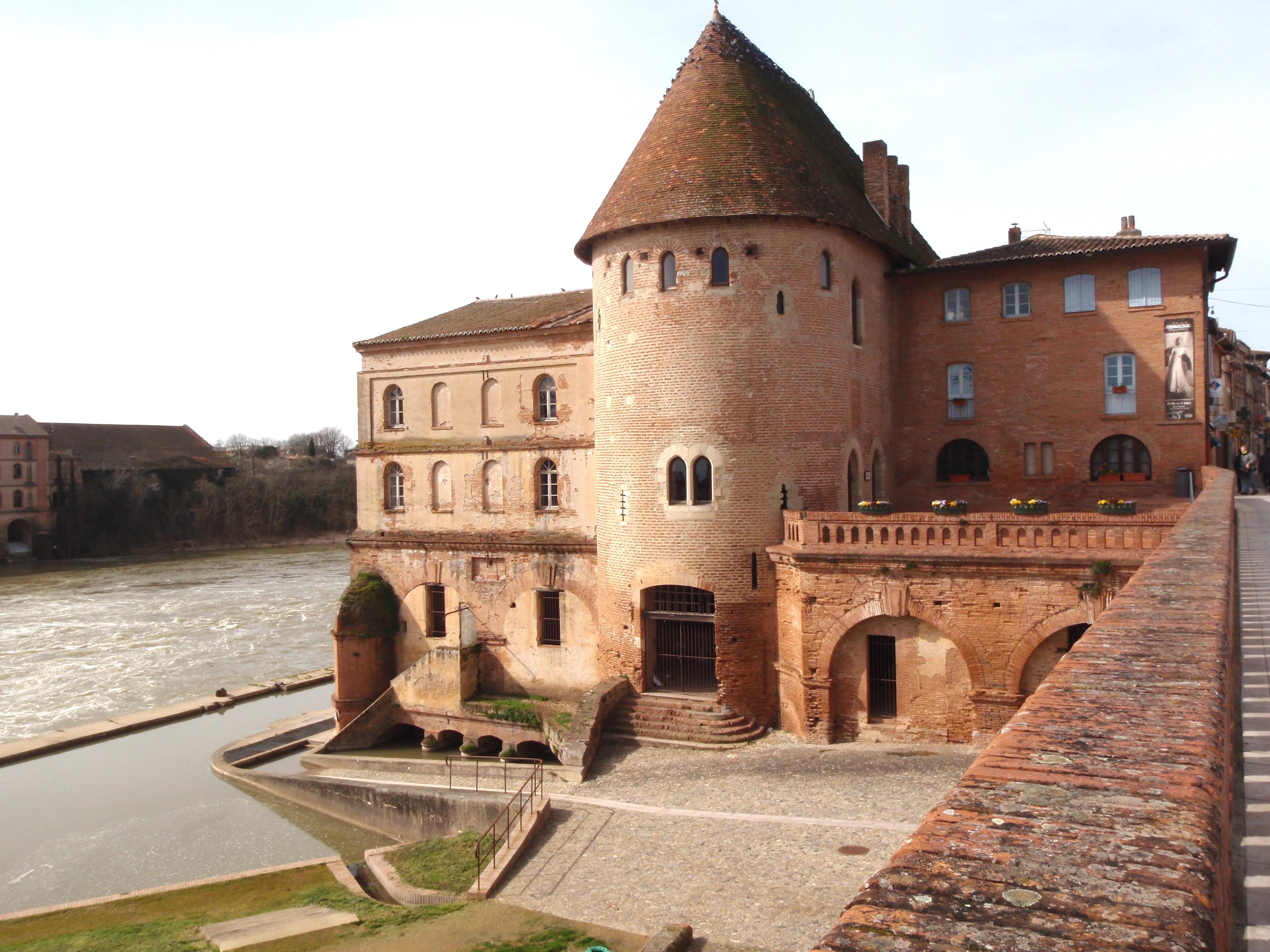Villemur-Tour