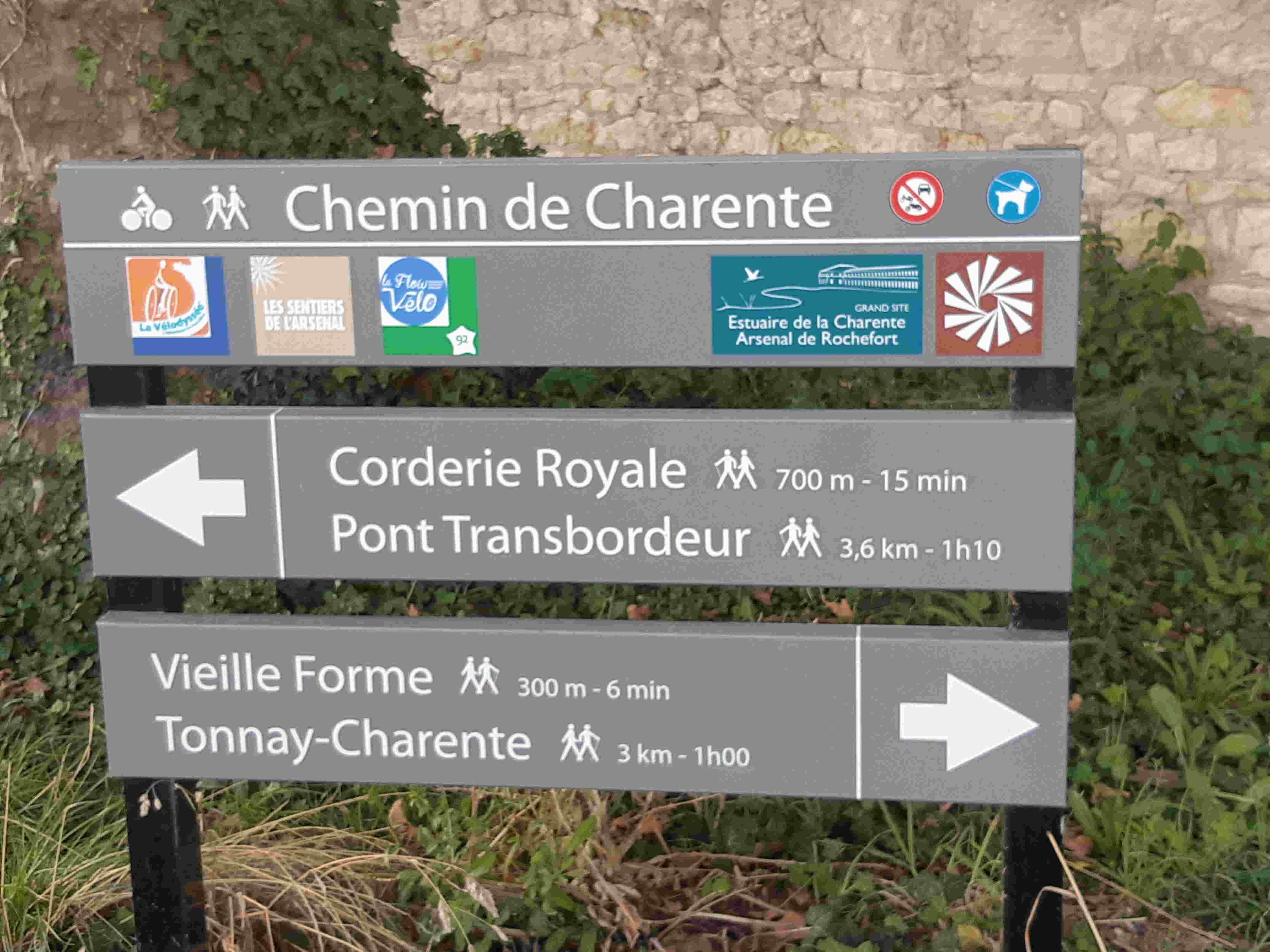 Balisage en bord de Charente