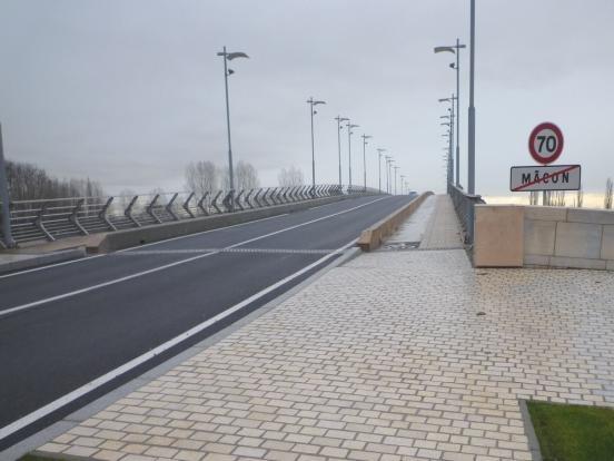 Début d'étape à Mâcon Pont F. Mitterrand