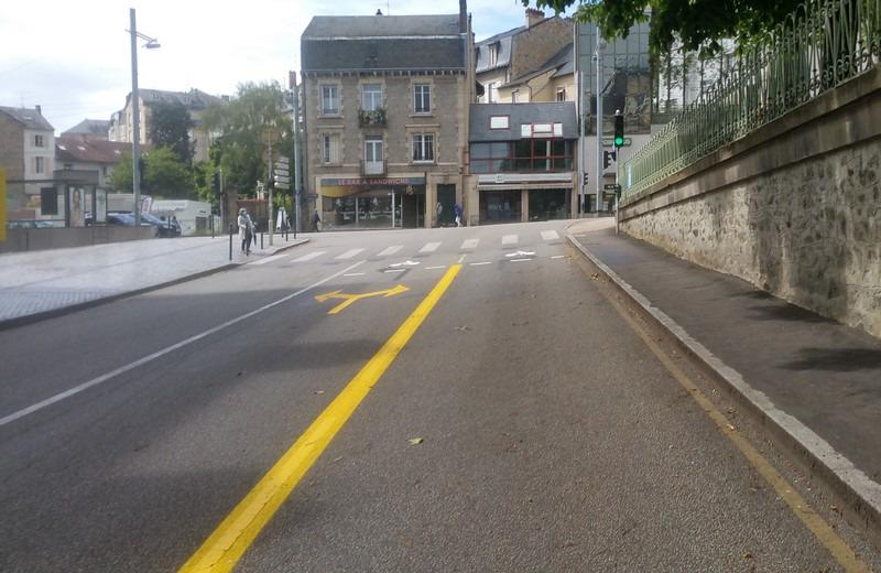 Rue L.Longequeue