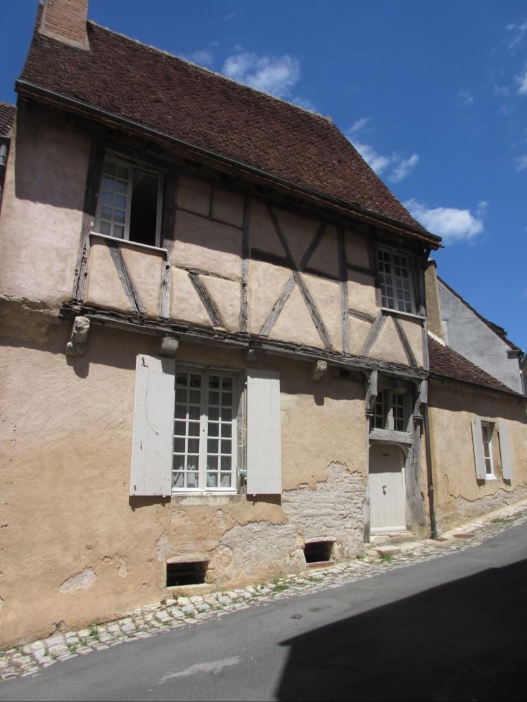 Vieille maison dans Dun-sur-Auron